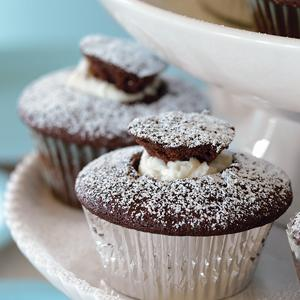 Devil`s Food Cupcakes with Vanilla Filling