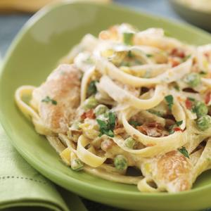 Chicken and Linguine with Peas and Bacon