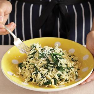 Orzo with Speedy Spinach Sauce