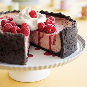 Raspberry Cheesecake with Chocolate Cookie Crust