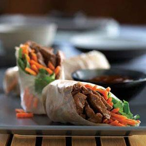 Beef Spring Rolls with Carrots and Cilantro