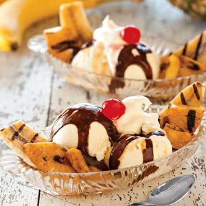 Honey-Grilled Banana Splits