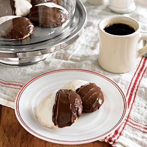 New York City Black And White Cookies