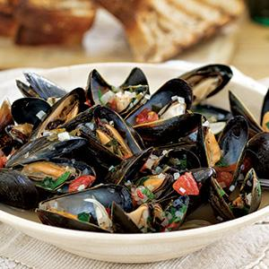 Steamed Mussels with Shallots and Fresh Herbs