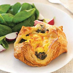 Spinach-Gruyere Breakfast Pockets