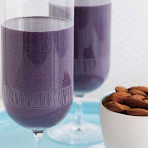 Very Almond Blueberry Smoothie